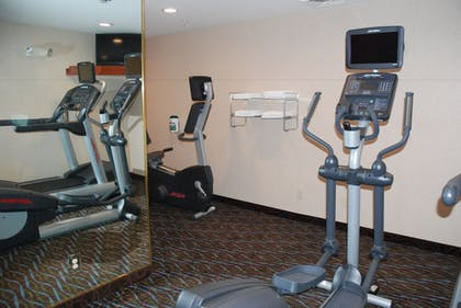 Fitness Facility | Holiday Inn Express Hotel & Suites Hill City