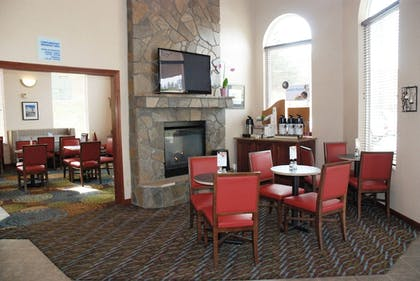 Restaurant | Holiday Inn Express Hotel & Suites Hill City