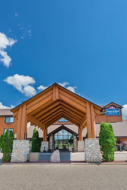 Property Grounds | AmericInn by Wyndham Wisconsin Dells