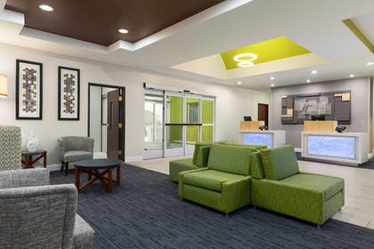 Lobby | Holiday Inn Express Hotel & Suites Florence I-95 at Hwy 327