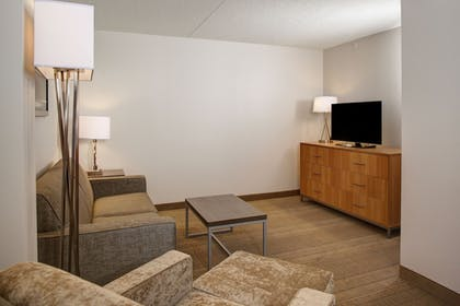   Suite, 1 King Bed, Non Smoking (King)   Holiday Inn Franklin - Cool Springs