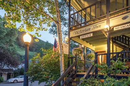 Mountain View | The Victorian Inn