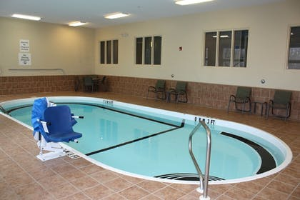 Pool | Holiday Inn Express Ludlow