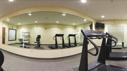 Fitness Facility | Plaza Inn and Suites