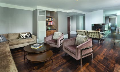Executive Lounge | Wyndham Midtown 45 at New York City