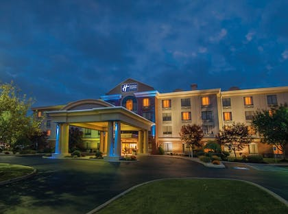 Featured Image | Holiday Inn Express Hotel & Suites Buffalo-Airport