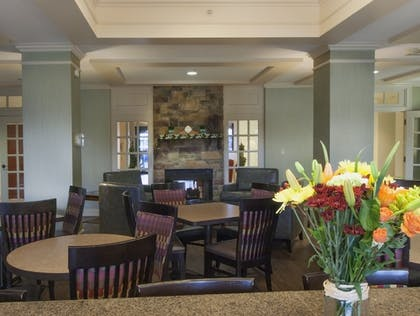 Restaurant | Holiday Inn Express Hotel & Suites Buffalo-Airport