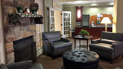 Lobby | Holiday Inn Express Hotel & Suites Buffalo-Airport