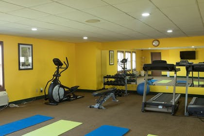 Fitness Facility | Quality Inn & Suites Bedford West