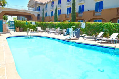 Pool | Holiday Inn Express Calexico