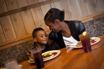 Family Dining   Great Wolf Lodge Traverse City