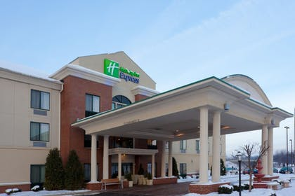 Featured Image | Holiday Inn Express Newton Falls