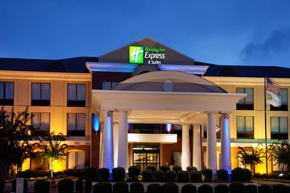 Exterior | Holiday Inn Express Hotel & Suites Tupelo