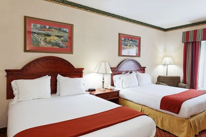 Guestroom | Holiday Inn Express Hotel & Suites Tupelo