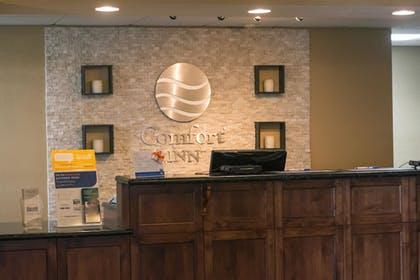 Lobby | Comfort Inn Fort Morgan