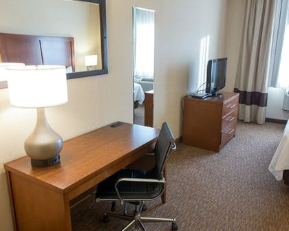 Guestroom | Comfort Inn Fort Morgan