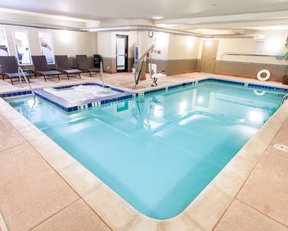 Pool | Comfort Inn Fort Morgan