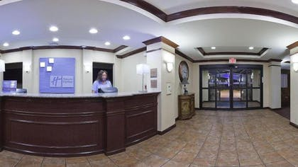 Lobby | Holiday Inn Express Hotel & Suites Cleveland