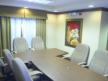 Meeting Facility | Holiday Inn Express Hotel & Suites Cleveland