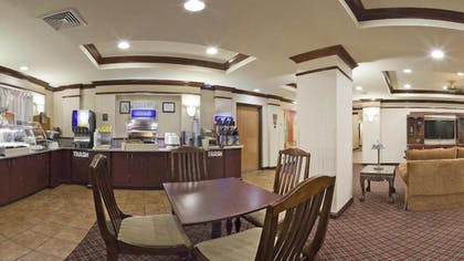 Breakfast Area | Holiday Inn Express Hotel & Suites Cleveland