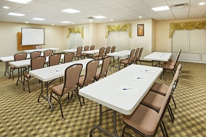 Meeting Facility | Holiday Inn Express And Suites London