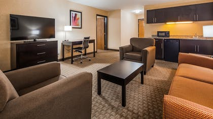 Guestroom | Best Western Plus Howe Inn