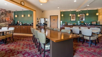 Breakfast Area | Best Western Plus Howe Inn