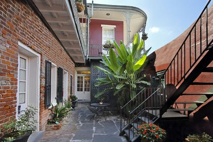 Property Grounds | Inn on St. Peter