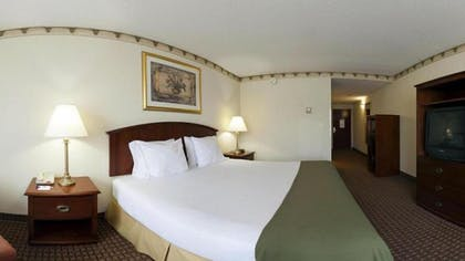 Guestroom   Holiday Inn Express North East