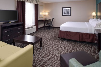 Guestroom | Holiday Inn Express & Suites North Lima