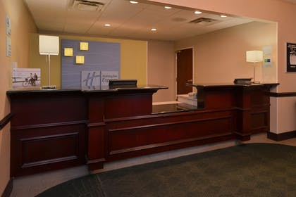 Lobby | Holiday Inn Express & Suites North Lima
