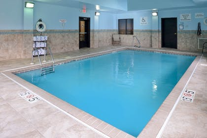 Pool | Holiday Inn Express & Suites North Lima