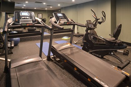 Fitness Facility | Holiday Inn Express & Suites North Lima