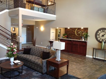 Lobby | GrandStay Hotel & Suites
