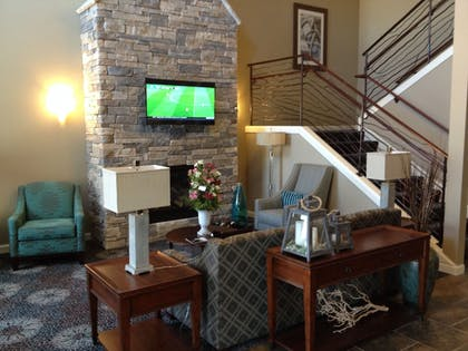 Lobby Sitting Area | GrandStay Hotel & Suites