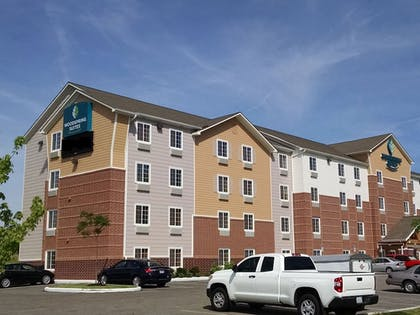 Featured Image | WoodSpring Suites Cleveland Airport