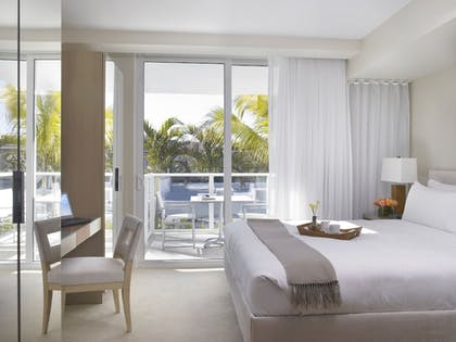 Room | Grand Beach Hotel Surfside West