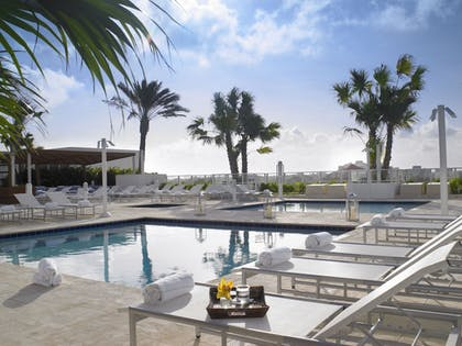 Outdoor Pool | Grand Beach Hotel Surfside West