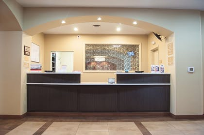 Lobby | Candlewood Suites Fort Collins
