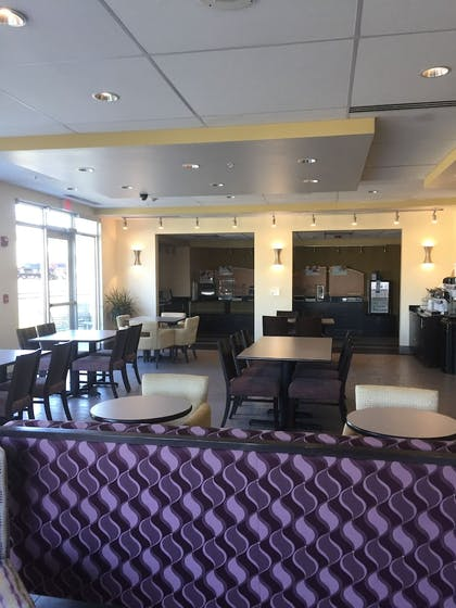 Lobby Lounge | Holiday Inn Express & Suites Tahlequah