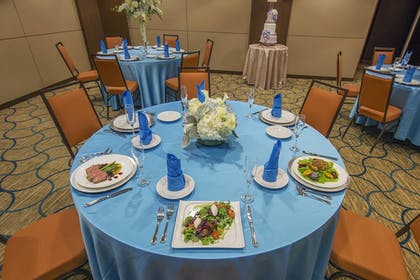 Restaurant | Fairfield Inn & Suites by Marriott Rehoboth Beach