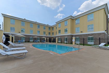 Pool | Holiday Inn Express & Suites Houston NW - Tomball Area