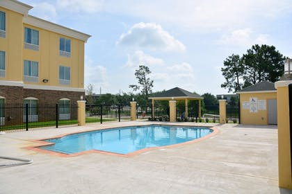 Outdoor Pool | Holiday Inn Express & Suites Houston NW - Tomball Area