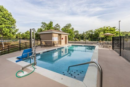 Pool | Staybridge Suites Knoxville-West