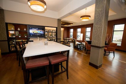 Restaurant | Holiday Inn Express & Suites Denver South - Castle Rock