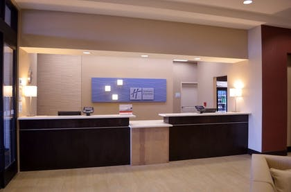 Lobby | Holiday Inn Express & Suites Denver South - Castle Rock