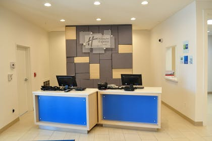 Reception   Holiday Inn Express & Suites Price
