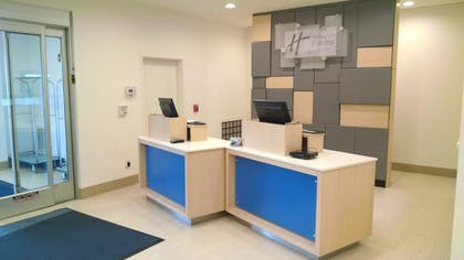 Lobby   Holiday Inn Express & Suites Price