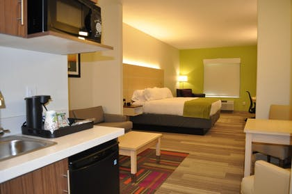 Room   Holiday Inn Express & Suites Price