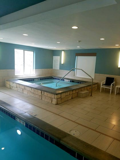 Indoor Spa Tub   Holiday Inn Express & Suites Price